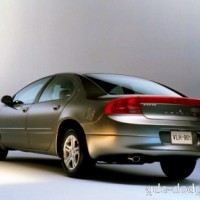 : Dodge Intrepid сзади