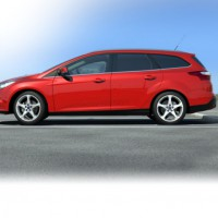 Ford Focus wagon: слева сбоку